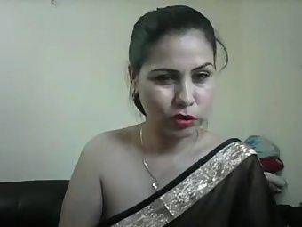 Hot Indian Aunty Meenakshi