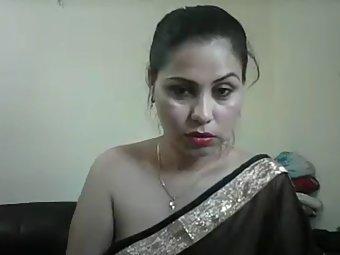 Jhanvi Bhabhi In Black Sari