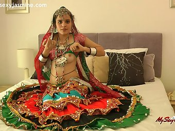 Indian Babe In Chania Choli