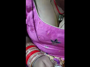 Free Sex Beautiful Bhabhi Hot Cleavage