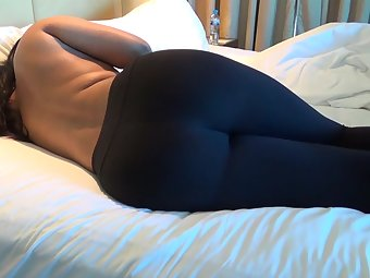 Horny Indian Wife In Black Jeggings