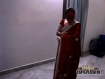 Shilpa Bhabhi In Sexy Red Indian Sari
